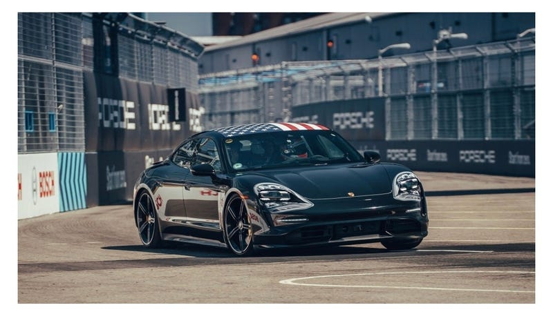 Illustration for article titled Porsche Taycan surprises at Formula E - with 996 headlights?