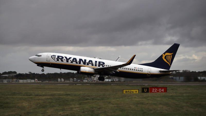 Ryanair klettert, um sein betrunkenes Passagierproblem zu lösen