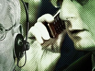 Illustration for article titled Whistleblower Says the Feds Are Spying on Your (Verizon) Mobile Phone Too