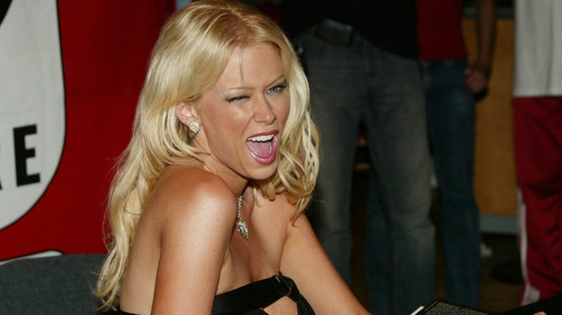 Illustration for article titled Of Course 'Free Thinker' Jenna Jameson Thinks Vaccines Are Bad