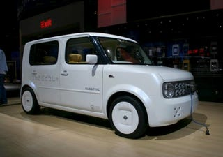 Illustration for article titled Nissan Denki Cube Captured Before Press Event