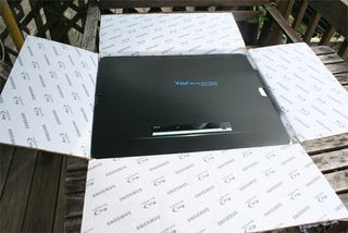 Illustration for article titled Samsung BD-P1000 Unboxing