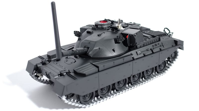 Illustration for article titled This RC Tank Jams Enemy Wireless Signals in a 50 Foot Radius