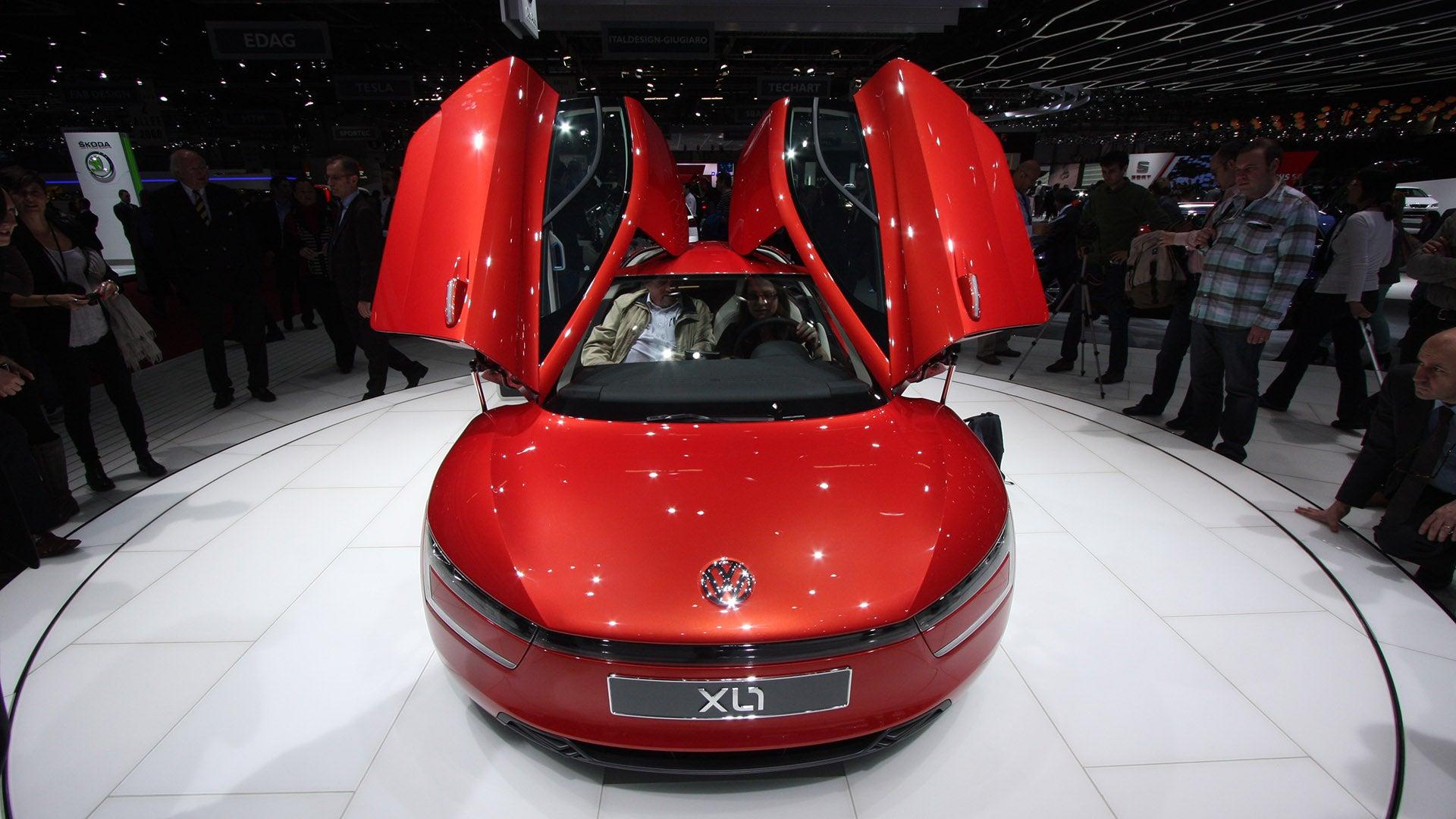 you will fit in volkswagen 39 s 261 mpg diesel hybrid. Black Bedroom Furniture Sets. Home Design Ideas