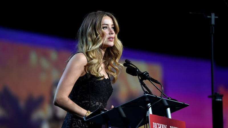 Illustration for article titled Alleged Texts from Amber Heard Detailing a 2014 Abuse Incident with Johnny Depp Have Been Leaked