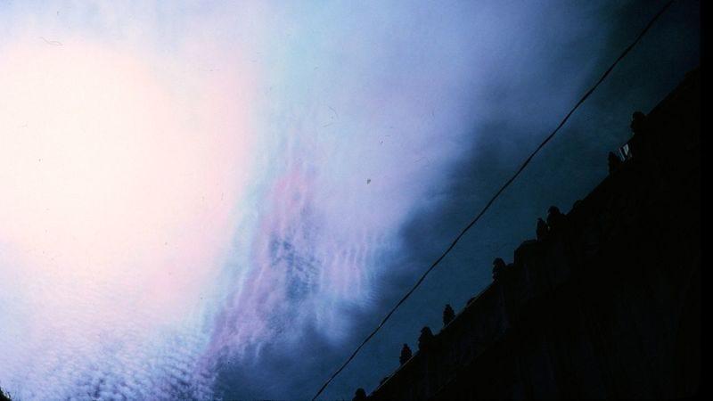 Iridiscencia en una nube superenfriada (Imagen: NOAA/Wikimedia Commons)