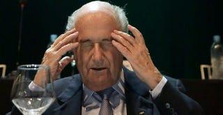 Illustration for article titled Sepp Blatter annyira fél az FBI-tól, hogy nem mer Amerikába menni