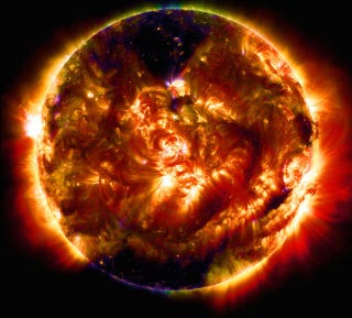 Illustration for article titled The Solar Dynamics Observatory Has Captured 100 Million Sun Images