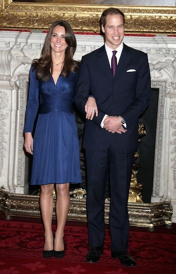 Illustration for article titled Kate Middleton's Engagement Dress Has Already Sold Out