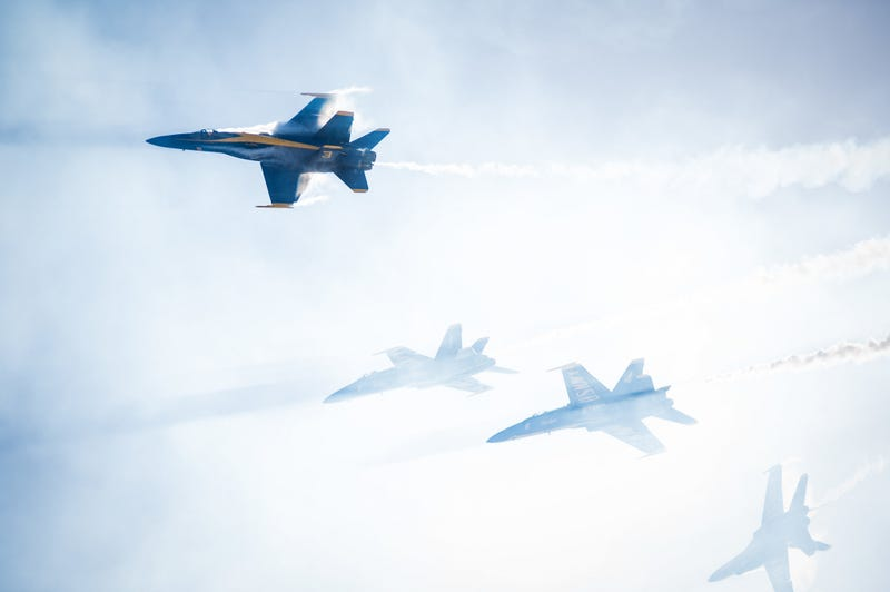 Illustration for article titled The F-18 Blue Angels look truly angelic in this photo