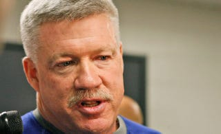 Illustration for article titled Giants Coordinator Kevin Gilbride Accidentally Murdered His Own Mustache