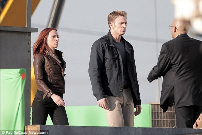 Illustration for article titled Steve Rogers has a problem with authority on the Captain America 2 set