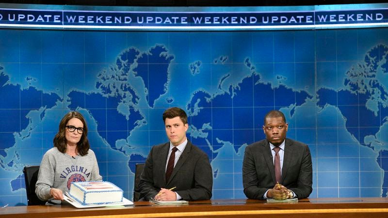 Tina Fey, Colin Jost, and Michael Che at the Weekend Update desk last night (Photo: Will Heath/NBC/NBCU Photo Bank via Getty Images)
