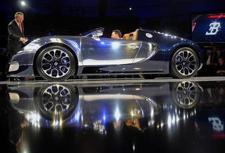 Illustration for article titled Bugatti Veyron 16.4 Sang Bleu Is Really Shiny