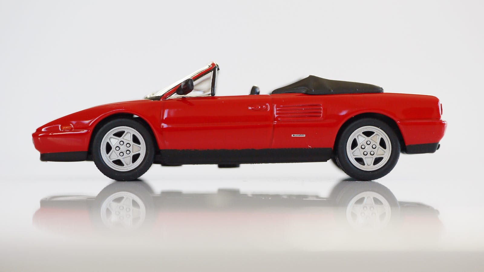 kyosho ferrari 5 1 64 24 project prancing horse 24 1989 ferrari mondial t cabrio. Black Bedroom Furniture Sets. Home Design Ideas