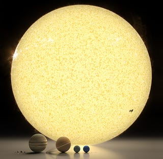 Illustration for article titled Spectacular rendering of the solar system to scale