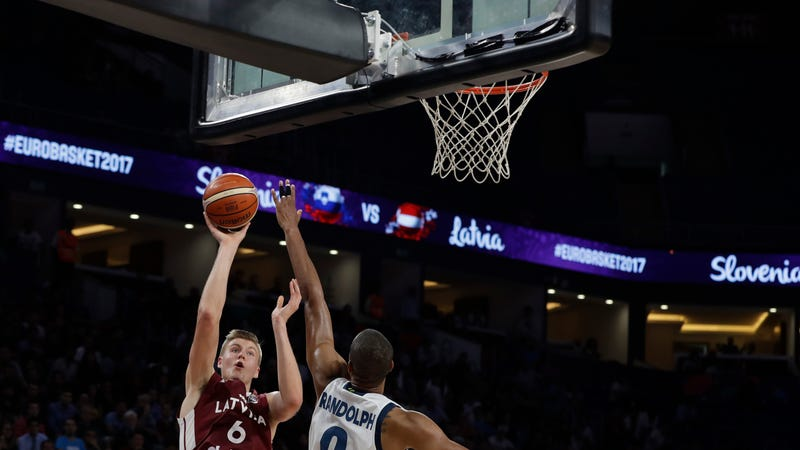 Slovenia beat Latvia to advance to EuroBasket semis