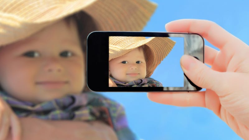 Illustration for article titled Are We Ruining Our Children's Psyches With Copious Digital Photos? (No.)