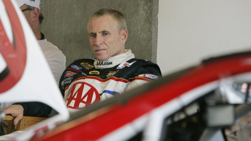 Illustration for article titled NASCAR's Mark Martin to Race Under the Name of the Guy That Stole His Twitter Account