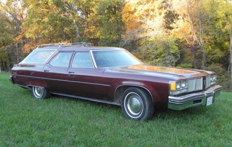 Illustration for article titled For $5,000, This 1976 Olds Custom Cruiser Will Make You Clam Up