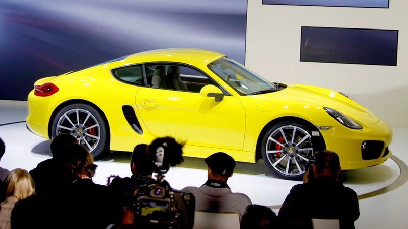 Illustration for article titled 2014 Porsche Cayman: First Liveshots Of Stuttgart's Sexy Little Minx