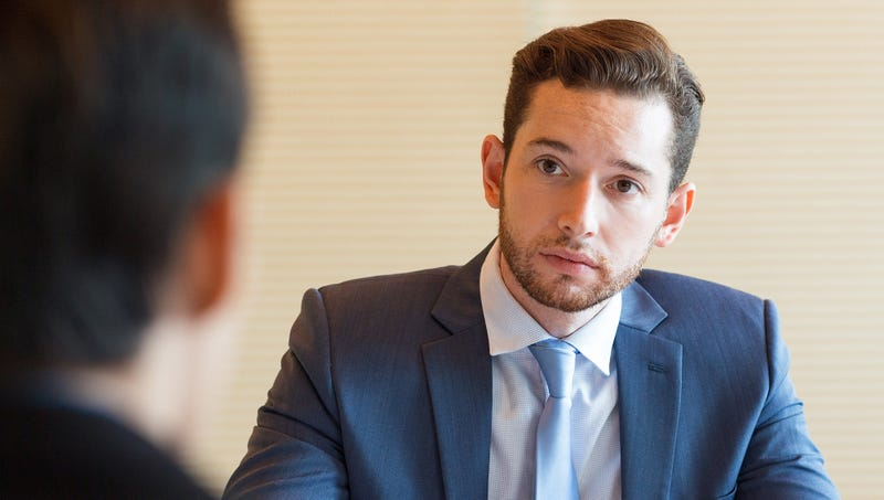 man at job interview praying he isnt asked about 2 year gap in rsum when he was abducted by aliens