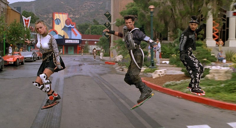 Illustration for article titled The Hoverboard Scene In Back To The Future 2 Nearly Killed A Stuntwoman