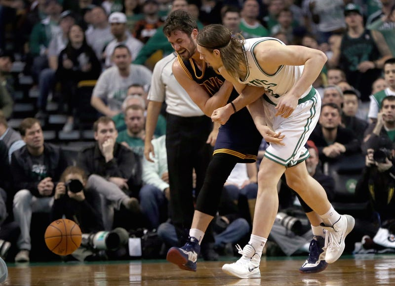 Illustration for article titled Kelly Olynyk Says He Accidentally Dislocated Kevin Love's Shoulder
