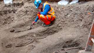 Archaeologists Excited To Find Dead Brits In London Underground