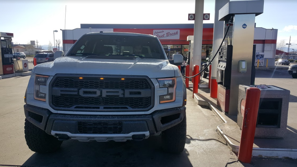 The 2017 Ford Raptor Is A Gas-Sucking One-Trick Pony But