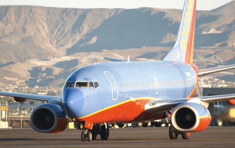 Illustration for article titled Pilot Stops Plane for Family of Murdered Child