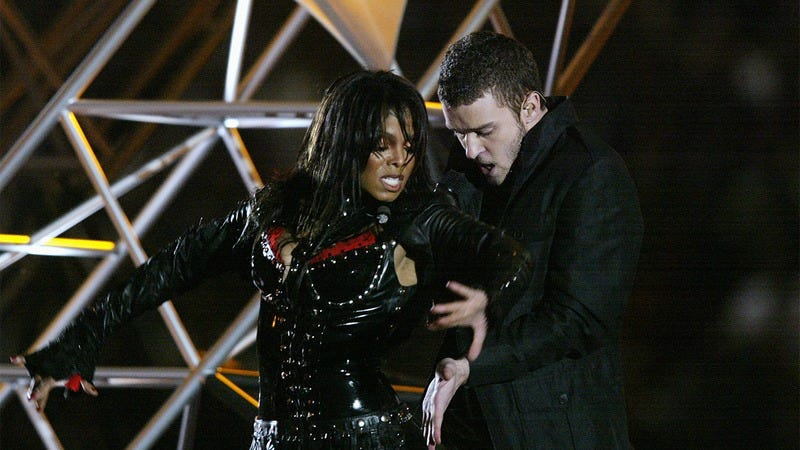 Janet Jackson and Justin Timberlak performing at the Super Bowl