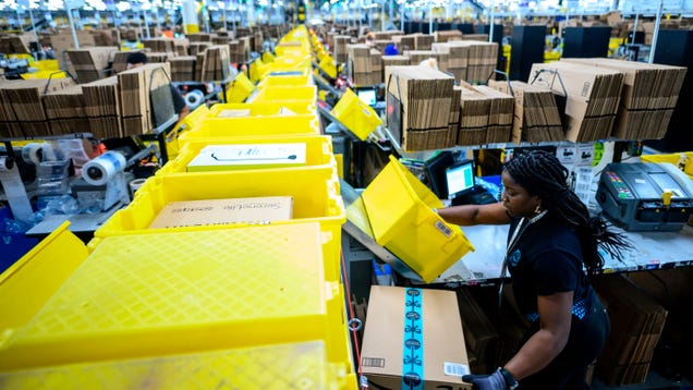 Amazon Warehouse Employees in Alabama Will Vote to Unionize