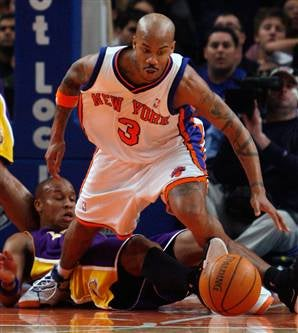 Illustration for article titled NBA Roundup: Knicks Beat Lakers As We All Wonder What To Do With NBA's Captain Bligh