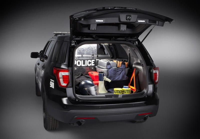 what the police spec 2016 ford explorer has that your moms doesnt - Ford Explorer 2015 Trunk Space