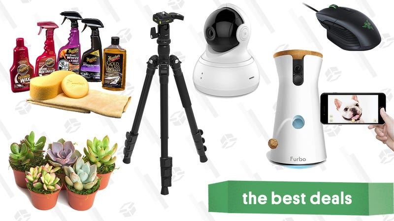 Illustration for article titled Saturday's Best Deals: Camera Accessories, Nugget Ice Maker, Razer Basilisk Mouse, and More