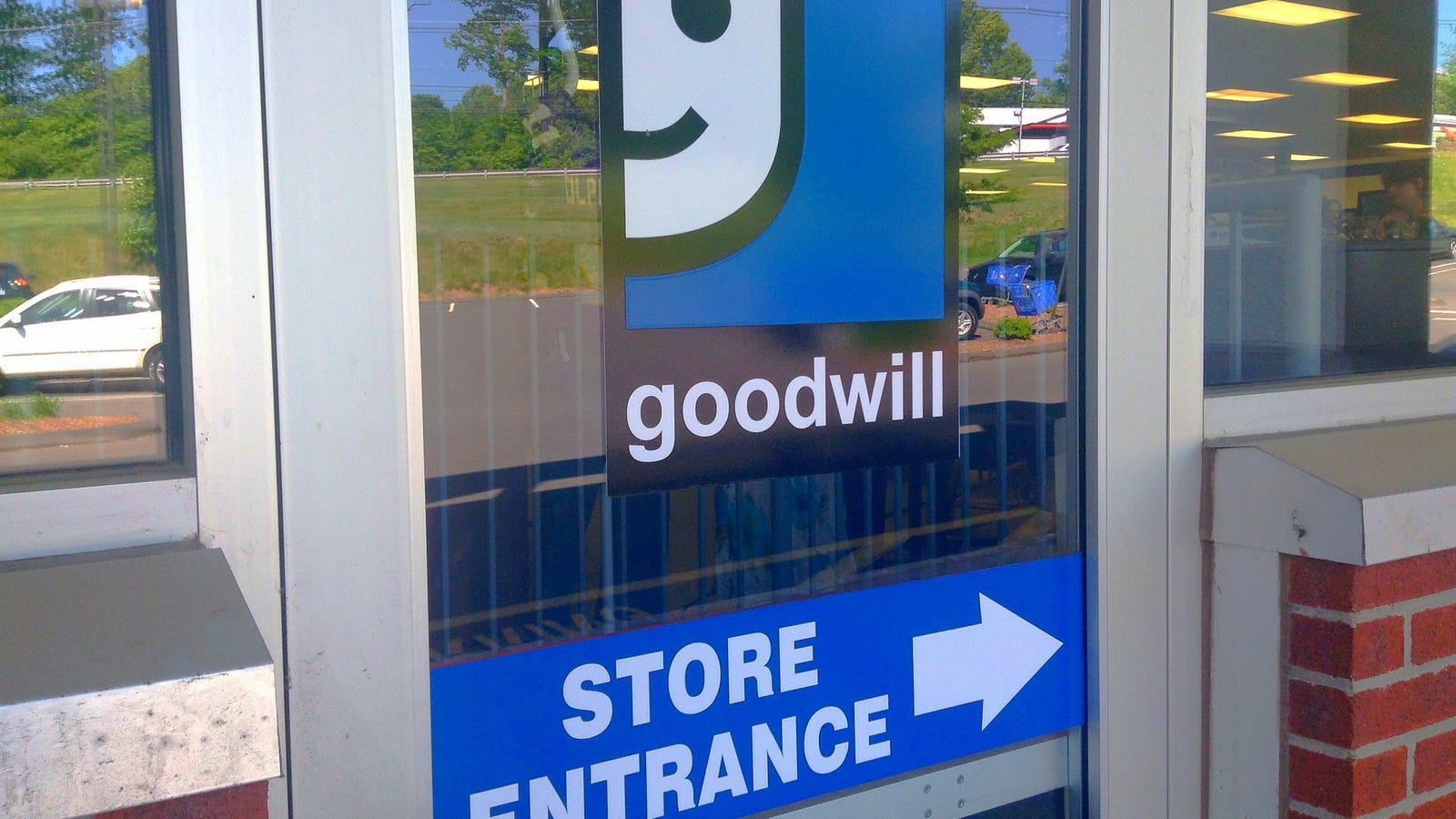 Goodwill Furniture Donation Use Dolly To Send Your Old Stuff To A Donation Center