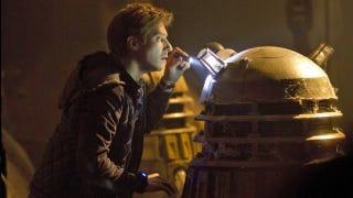 Illustration for article titled Matt Smith and Karen Gillan explain how Doctor Who will make the Daleks scary again