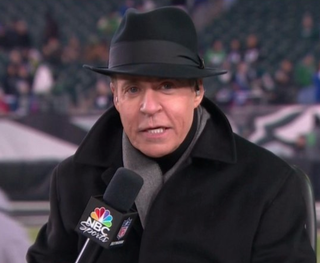 Look at that sweet fedora Bob Costas wore during Thursday Night Football.Twitter