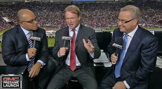 Illustration for article titled Jon Gruden's Bulge Was Showing Before Last Night's Game