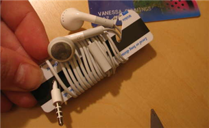 Illustration for article titled Keep your earbuds tangle-free with a DIY cord wrapper