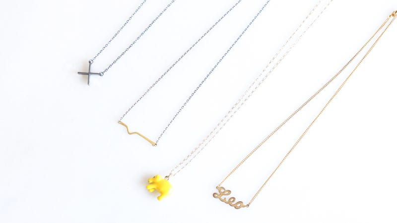 pack delicate necklaces using press  u0026 39 n u0026 39  seal wrap