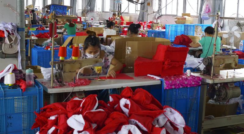 Un pueblo chino fabrica el 60% de las decoraciones navideñas del mundo