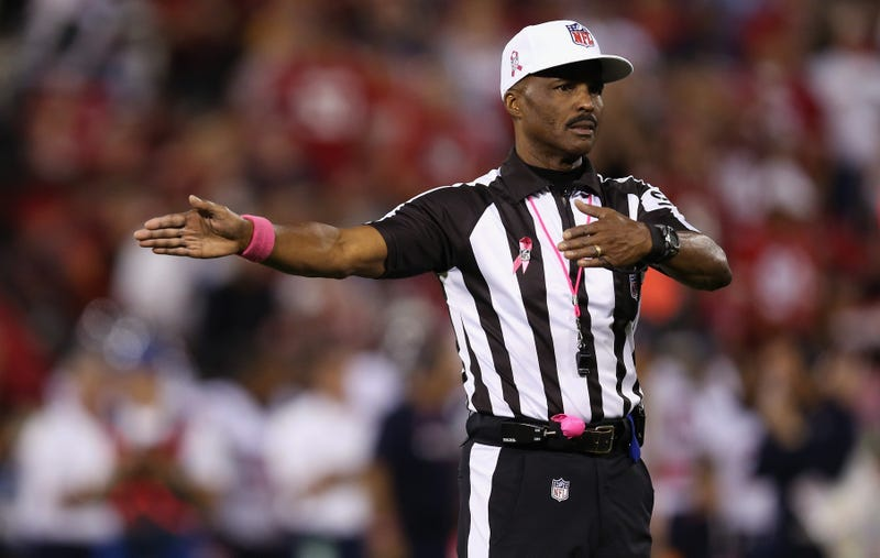 Illustration for article titled CBS: Don't Be So Mean To Mike Carey, Internet