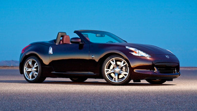 Illustration for article titled 2010 Nissan 370Z Roadster In A More Revealing Pose
