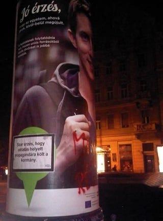 Illustration for article titled Ilyen az, amikor a kormánypropaganda alanya visszavág