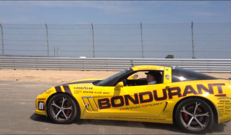 Illustration for article titled Watch Racing Legend Bob Bondurant Hoon A Corvette Around Austin's F1 Track