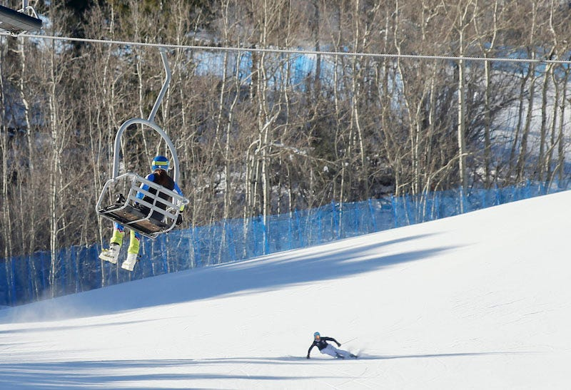 Illustration for article titled Snowboarder Claims Skier Threw Him From Chairlift Over Joke
