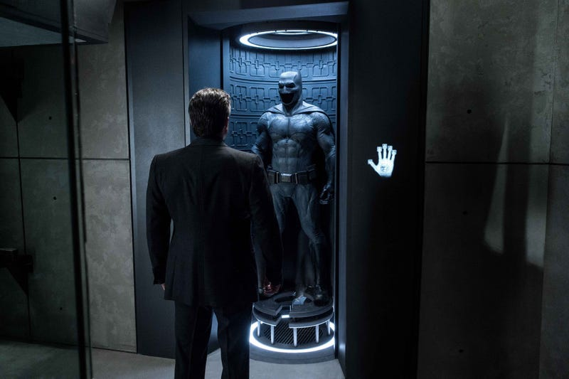 Illustration for article titled Ben Affleck's Solo Batman Movie Has a Huge Opportunity and One Big Problem