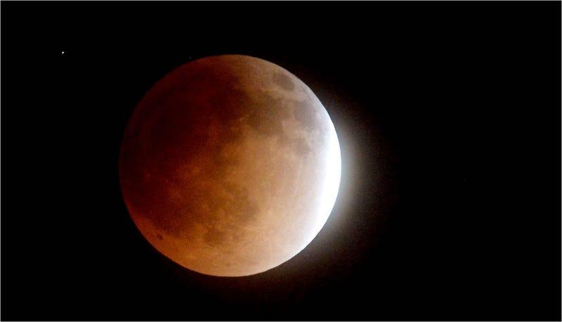 El ltimo eclipse lunar total la luna de sangre en im genes for En q luna estamos hoy